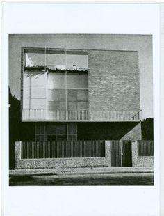 Archivio Mario Asnago e Claudio Vender, Villa Molin, 1935 International Style Architecture, Classic Architecture, Contemporary Architecture, Architecture Details, Landscape Architecture, Bauhaus, Modern Architects, Architecture Visualization, Art Deco