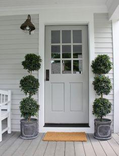 cottagey front door