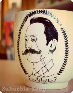 from Suburbia Soup: here's a trick you can do if you ever plan on painting a mug for yourself.