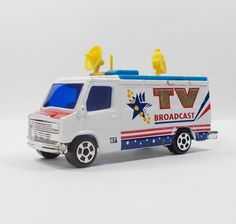 Unbranded TV Broadcasting Van - Die-cast Model - 7.5 cm Long (1)