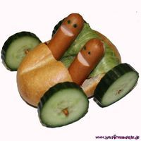 Sausage Buns - simple children& recipe with picture - funny food – creative food prepared for young and old: Informations About Würstchen-Brötchen – - Cute Food, Good Food, Yummy Food, Childrens Meals, Snacks Für Party, Food Decoration, Food Crafts, Food Humor, Food Presentation