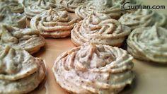 Snehové pusinky - orechové Deserts, Cookies, Blog, Crack Crackers, Desserts, Biscuits, Cookie Recipes, Blogging, Dessert
