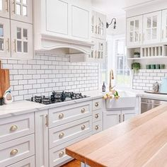 🌟Visha🌟 (@home_with_the_whites) • Instagram photos and videos Kitchen Cabinets, Photo And Video, Videos, Photos, Instagram, Home Decor, Kitchen Maid Cabinets, Pictures, Interior Design