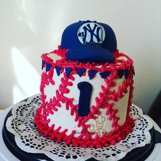 NY Yankees cream cheese and carrot smash cake