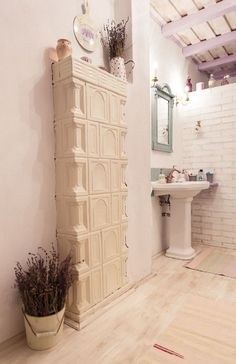 Bathroom from a Romanian country house Design Case, Traditional House, Traditional Interior, My Dream Home, Decoration, Rustic Decor, Tall Cabinet Storage, Room Decor, House Design