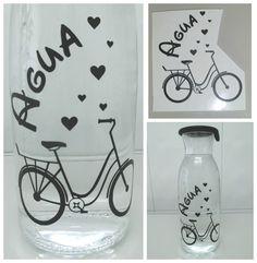 Botella de cristal decorada con vinilo. Silhouette Cameo