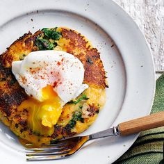 This classic British brunch dish makes for a delicious dinner idea for two. Root vegetable mash replaces potato, lending extra sweetness and nutty flavour to the bubble and squeak patties which are topped with perfectly poached eggs Easy Egg Recipes, Brunch Recipes, Veggie Recipes, Vegetarian Recipes, Cooking Recipes, Healthy Recipes, English Food Recipes, British Food Recipes, British Meals