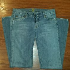 Jeans Good condition, very comfortable Seven7 Jeans Flare & Wide Leg