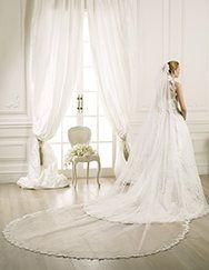 Pronovias presents its V-5214 veil for brides.   Pronovias