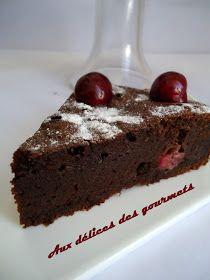 Cake Aux Fruits Secs, Mousse Au Nutella, Petit Cake, Cake Ideas, Biscuits, Food, Cherry Cake, Foodies, Chocolate Fondant