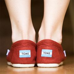 How to wash Toms shoes: Place shoes within a pillow case, tie the end and put in washing machine.  After adding normal detergent, measure a 1/2 cup of baking soda and run the wash cycle on cold. air dry in direct sunlight