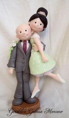 Fondant Bride and Groom Wedding Topper.    www.exposinthecity.com