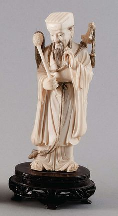 """Symbolic figure """"Lü Dongbin"""" from the Chinese mythology. Read more. July 6, 2013 34th Gut Bernstorf Art and Antiques Auction"""