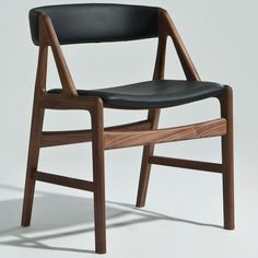 Meta Side Chair (Natural American Walnut / Black Leather)