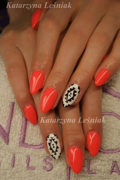by Kasia Leśniak Double Tap if you like #mani #nailart #nails #aztec Find more Inspiration at www.indigo-nails.com