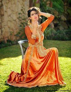 caftan Marocain en velours très spéciale qu'on vous propose en exclusivité pour nos fans qui veulent confectionner sur mesure un merveilleux caftan 2015 haute couture très élégant pour la femme chic à découvrir sur le site : http://caftan-in-maroc.blogspot.com