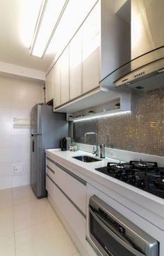 Projeto 70m² Mooca: Cozinhas Moderno por RAFAEL SARDINHA ARQUITETURA E INTERIORES