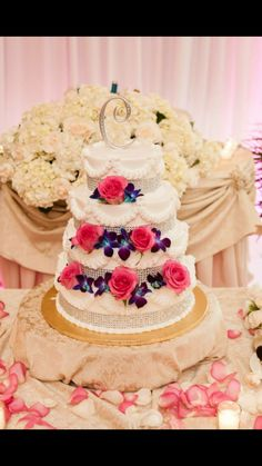 Example of wedding cake I'd love to have.....
