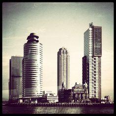 #wilhelminapier #rotterdam #skyscrapers #hotelnewyork Photo: @joolsmayer