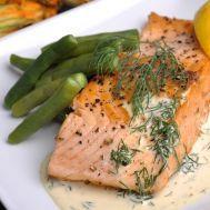 Salmon-con-salsa-de-eneldo
