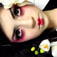 Geisha doll makeup