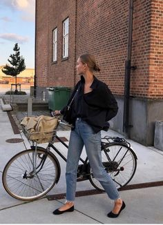 French Girl Style, French Chic, My Style, Spring Summer Fashion, Autumn Winter Fashion, Cycle Chic, Girl Fashion, Fashion Outfits, Bike Style