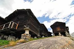 Saas Fee - Typical Houses | ©ChrisCom/Flickr
