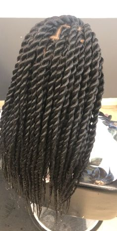 kids knotless box braids with color \ kids knotless box braids ; kids knotless box braids with beads ; kids knotless box braids with color ; Big Twist Braids Hairstyles, Rope Twist Braids, Senegalese Twist Hairstyles, African Braids Hairstyles, Medium Twist Braids, Afro Twist Braid, Hairstyles Videos, Bob Hairstyles, Straight Hair