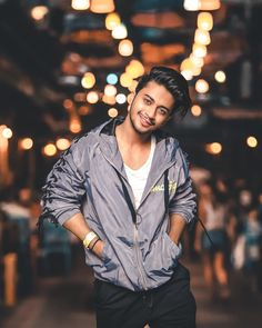 Get Hasnain Khan Latest top Best Photos And Biography. If you are a fan of Hasnain Khan, we have brought good photo collections for you today. Cute Girl Pic, Cute Boys, You Are My Crush, Mens Indian Wear, Best Free Lightroom Presets, Photoshoot Pose Boy, Stylish Photo Pose, Night Portrait, Dear Crush