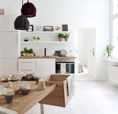 We've collected 50 gorgeous pictures to inspire your minimalist home decor — including ideas for your living room, office, dining room, kitchen, and bathroom. Kitchen Interior, Home Interior Design, Interior Styling, Kitchen Decor, Minimalist House Design, Minimalist Home Interior, Minimalist Kitchen, Decoration Inspiration, Interior Inspiration