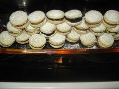 Η Τζίνα κάτι μαγειρεύει.... : Αλφαχορεσ (Afajores)