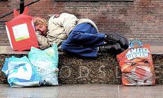 Nu meer dan 60.000 daklozen in Nederland en blijft toenemen: Iemand die net aan de grens aanklopt krijgt binnen no-time een huis