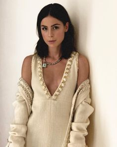 Lena Meyer-Landrut - Social Media, December Lena Meyer-Landrut Style, Outfits and Clothes. Young Celebrities, Celebs, Female Modeling Poses, Laura Carmichael, Jessica Brown Findlay, Belle Hairstyle, German Women, Female Stars, Star Fashion