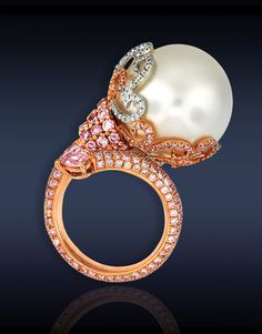 South sea pearl with pink & white diamonds