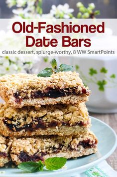 This Old-Fashioned Date Bars recipe is delicious as written and is also very flexible. It can be made with a variety of dried fruits such as raisins, dried cranberries, or chopped dried apricots instead of dates - about 176 calories Date Recipes Desserts, Healthy Dessert Recipes, Gourmet Recipes, Cookie Recipes, Bar Recipes, Recipes With Dates, Breakfast Recipes, Dried Apricots, Dried Cranberries