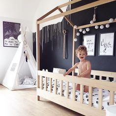 16 Exceptional Montessori Room Ideas For The Boys – mybabydoo - Babyzimmer Baby Bedroom, Baby Boy Rooms, Baby Room Decor, Kids Bedroom, Chambre Nolan, Ideas Habitaciones, Cool Kids Rooms, Baby Room Design, House Beds