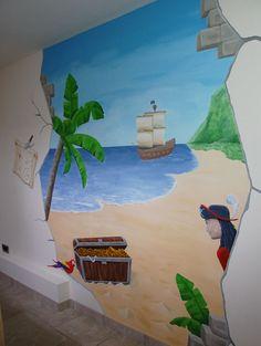 Piraten kinderkamer :-) Muurschildering in piraten thema, compleet met schatkist, schatkaart, piratenschip, papegaai en een piraat natuurlijk. Gemaakt door BIM Muurschildering. Op de website zijn close-ups te zien.