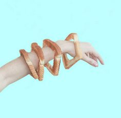 Fashion AND Food? What kind of bread-bangle heaven is this? Photography by Elise Mesner Fashion AND Food? What kind of bread-bangle heaven is this? Photography by Elise Mesner Still Life Photography, Food Photography, Food Design, Design Art, Art Inspo, Photo Images, Design Graphique, Conceptual Art, Surreal Art