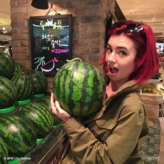 Slice open this massive Korean watermelon and I bet my hair would fit right in #fruitinspired #itsabnormallyheavy #supermarkettourist...