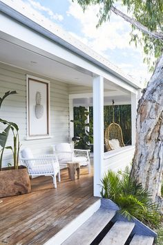 Front porch design with hanging chair exterior architecture in 2019 farmhou Byron Beach, Veranda Design, Farmhouse Front Porches, Rustic Farmhouse, Front Porch Design, Front Deck, Front Porch Steps, Front Verandah, Porch Designs