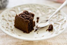 Skinnymixers Paleo Gingerbread Cake ~ recipe can be adapted Paleo Baking, Gluten Free Baking, Baking Recipes, Cake Recipes, Sweet Recipes, Whole Food Recipes, Thermomix Desserts, Gingerbread Cake, No Sugar Foods