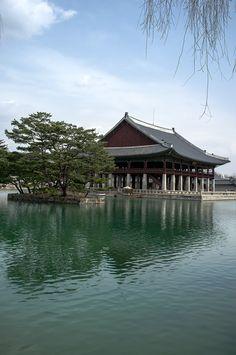 Gyeonghoeru Pavilion in #Gyeongbokgung Palace, #Seoul, Korea