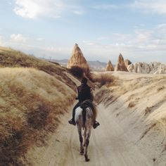 Riding through the desert on a horse with no name Image by qeysalleh via VSCO Grid