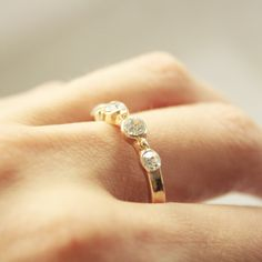 OTIEN's Ring Click on the picture.  Follow: https://www.facebook.com/OTIEN Pierścionek delikatny złoty cyrkonie