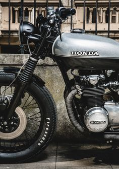 Vintage Motorcycles Classic Jerikan Motorcycles Honda CB 550 Four 1978 Sportster Cafe Racer, Cafe Racer Honda, Cafe Racer Build, Cafe Racers, Cb550 Cafe Racer, Vintage Bikes, Vintage Motorcycles, Custom Motorcycles, Custom Bikes