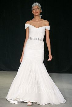 Tendance Robe du mariée  2017/2018  Brides.com: Anne Barge Off-The-Shoulder Wedding Dress from Fall 2014 Collection