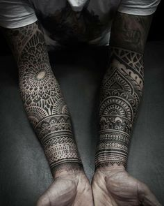 These sleeves are incredible 💉