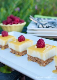 Lemon Curd Cheesecake Bars--4