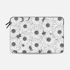 Daisies - Macbook Sleeve