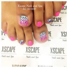 Ombré leopard nails